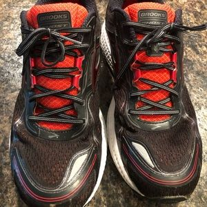 Brooks Ghost 8 size 14 Men's.